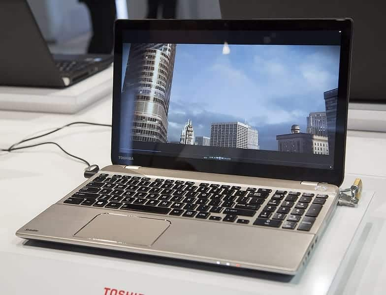 Image of a Toshiba laptop playing a 4K video